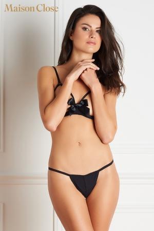 String ouvert Le petit Secret : String noir sensuel, intégralement fendu pour un libre accès à votre précieuse intimité.